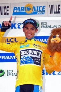 3_contador_yellow_podium
