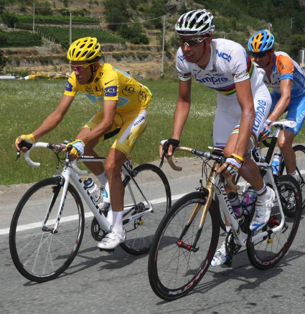Ballan e Contador in gara-foto Bettini