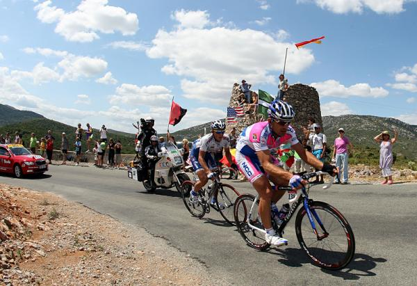 Martin Sapa (Lampre) rides in the break on stage