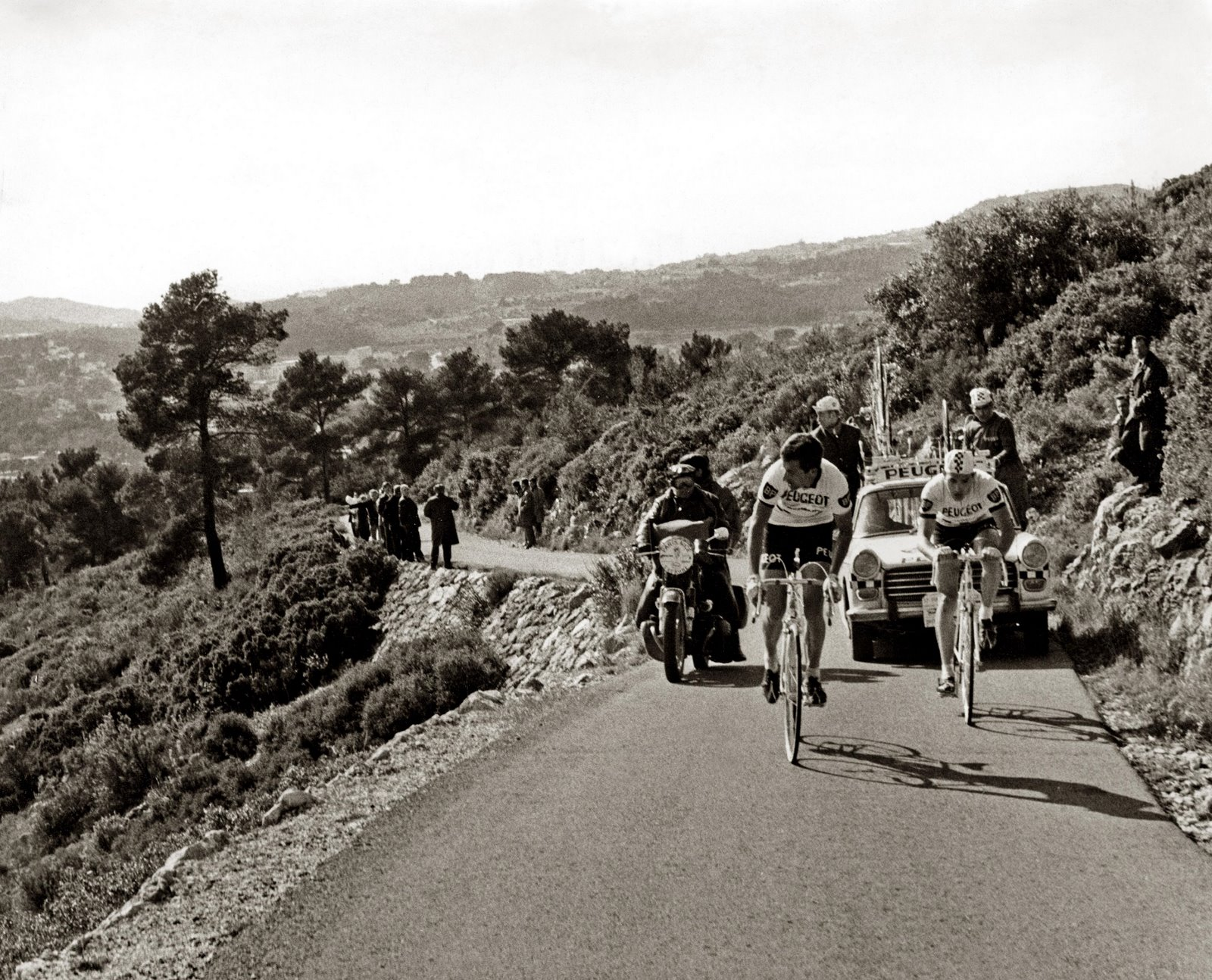 Eddy Merckx et Tom Simpson pour Paris Nice en 1967