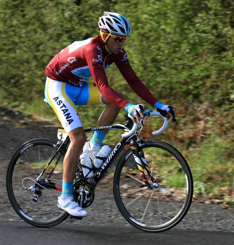 Contador came to Liege after 1900 km traveling by car ...