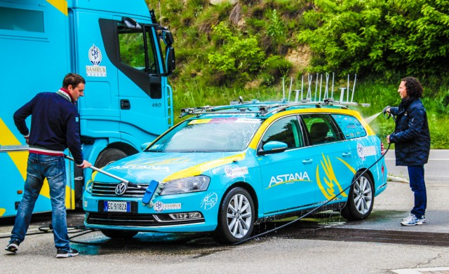 astana-motors-on-giro-2013--04