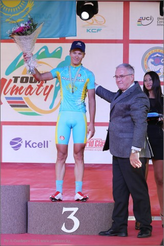 tour-of-almaty-2013-podium-4058