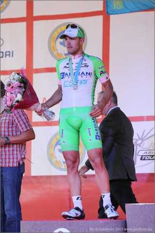 tour-of-almaty-2013-podium-4074