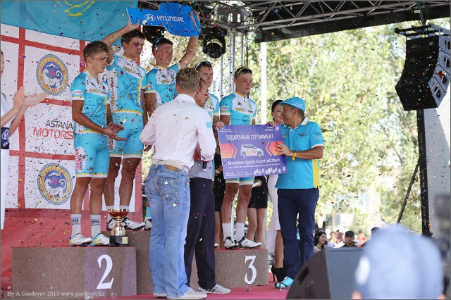 tour-of-almaty-2013-podium-4205
