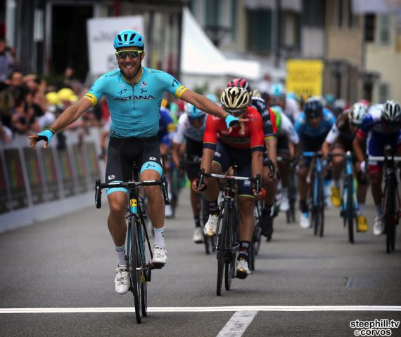 Delémont - Swiss - wielrennen - cycling - cyclisme - radsport - Omar FRAILE MATARRANZ (Spain / Team Astana) - Sonny COLBRELLI (Italy / Team Bahrain - Merida)  pictured during the 72nd Tour de Romandie (2.UWT) stage 1 from Fribourg to Delémont (166.6 KM) - photo René Vigneron/Cor Vos © 2018