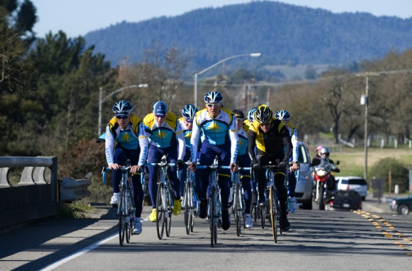 astana-california-camp-2009-10-Training-ride.jpg