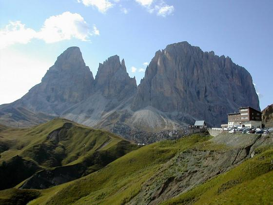 a06-passo_sella_with_langkofel_800x600
