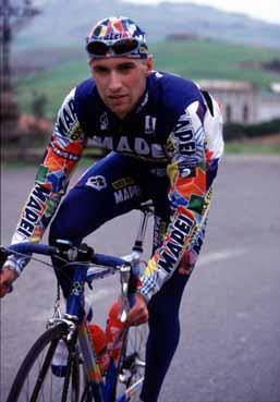 garzellistefano-garzelli-sporting-his-new-mapei-colours