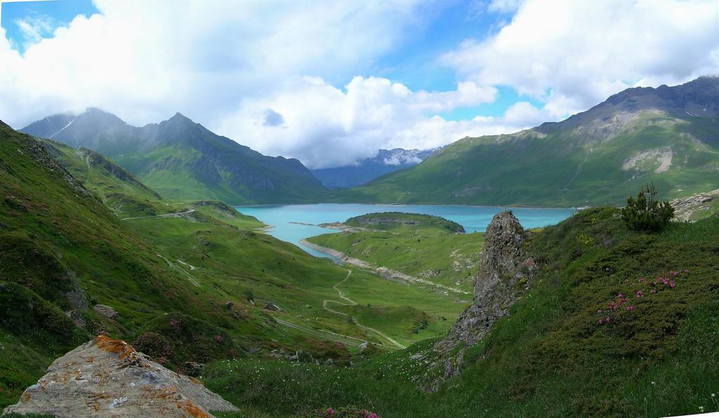 montcenis-lake