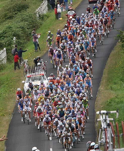 10The peloton all together