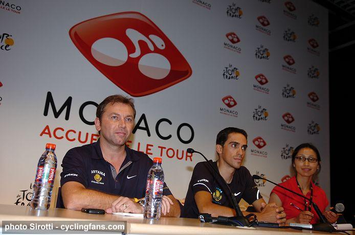 2009_tour_de_france_pre-race_press_conference_johan_bruyneel_alberto_contador_astana