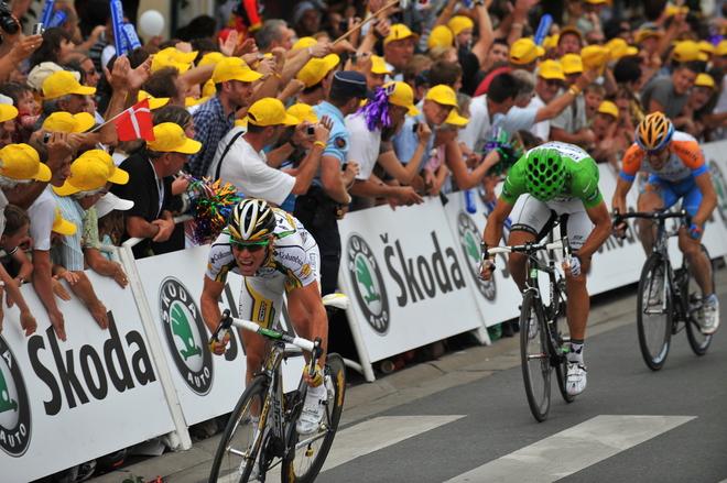 CYCLING-FRA-TDF-2009-LIMOGES-ISSOUDUN-LINE-CAVENDISH