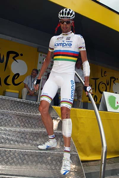 Alessandro Ballan (Lampre-NGC) was seen sporting some bandages