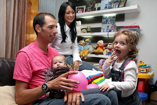 Alessandro Ballan with Azzurra, Daniela and Stella