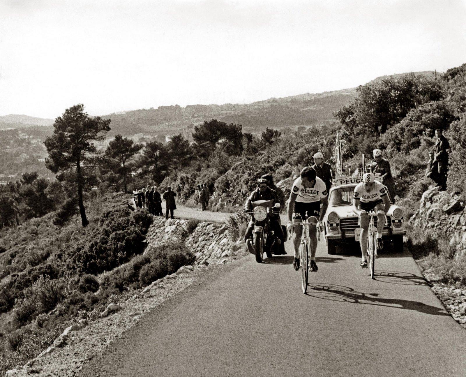 Eddy Merckx et Tom Simpson pour Paris Nice en 1967