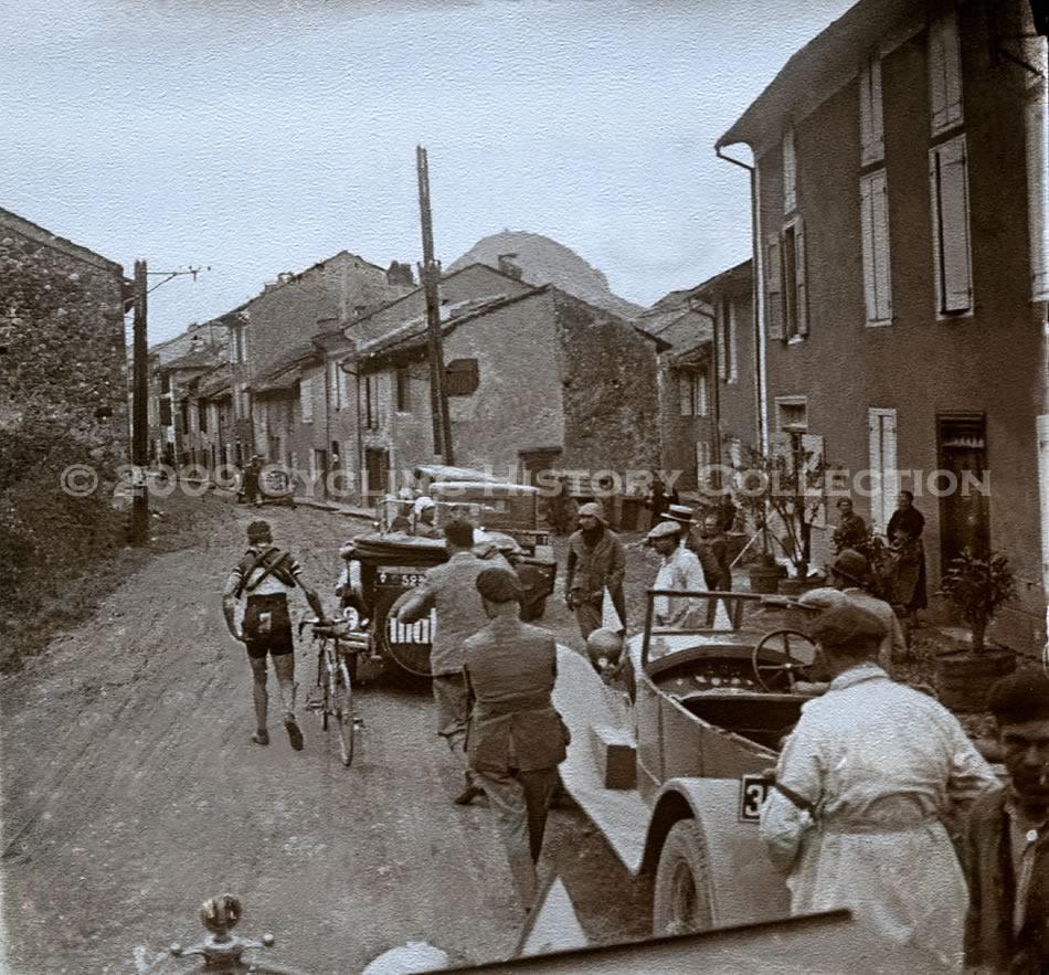 Сход Бинды с Тур де Франс