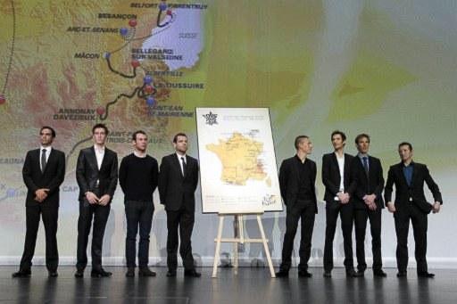 звезды ТДФ на сцене(слева направо): Контадор, Роллан, Кэвендиш, Эванс, Жильбер, братья Шлеки и Феклер