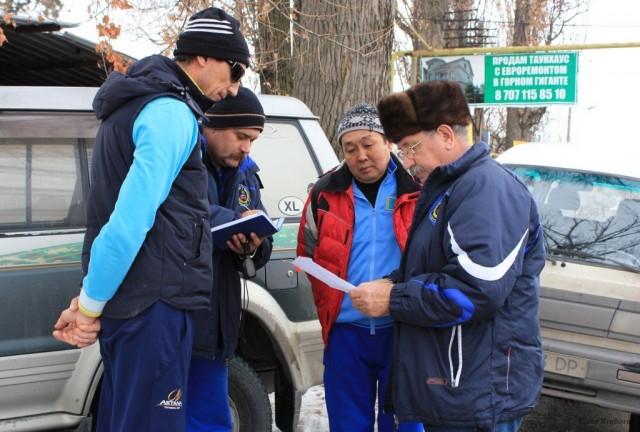 Перед стартом - слева-направо: Александр Витальевич, Спартак Викторович, Бейбут Кадырович, Владимир Николаевич