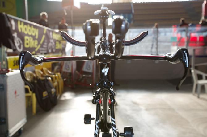 Вид спереди велосипеда  Shiv TT  Нибали