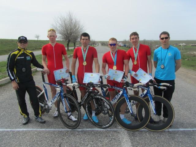 Победители командной гонки на 40 км. Команда Алматы-1