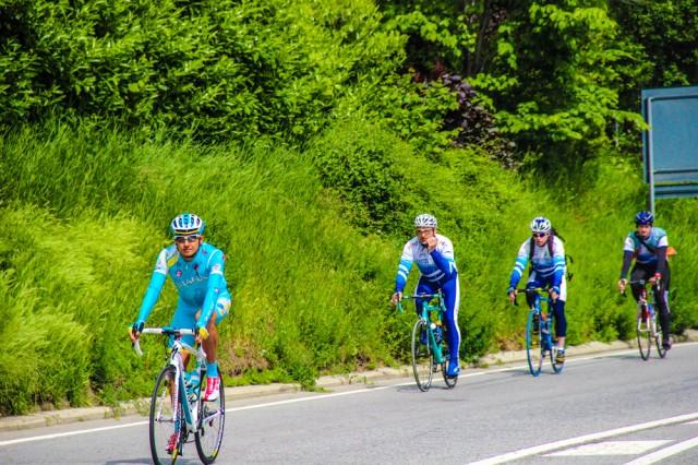 Андрей Зейц в группе любителей велосипеда