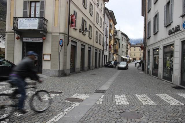 Типичные улочки маленьких городков Доломитовых Альп