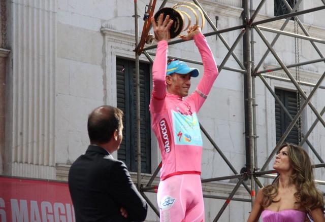 Победитель итоговой генеральной классификации - Винченцо Нибали