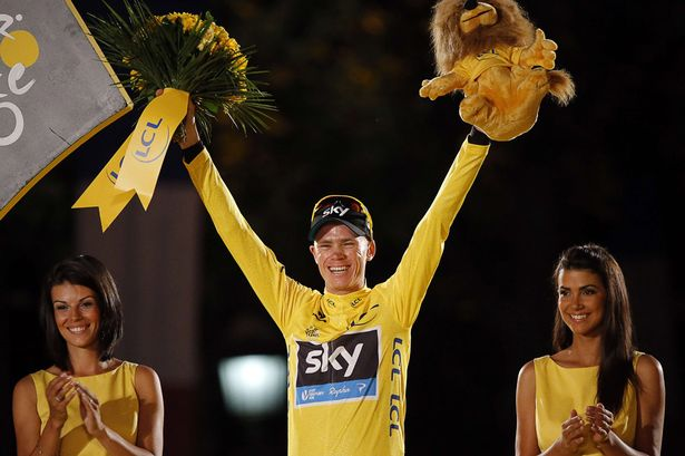 Christopher-Froome-poses-on-the-podium-in-Paris-2073813