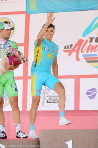 tour-of-almaty-2013-podium-4076