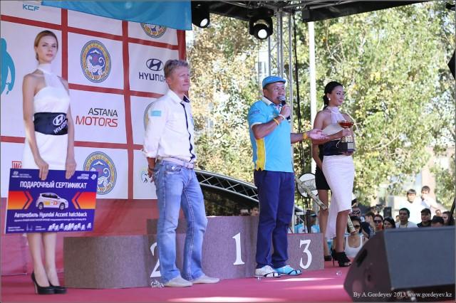 tour-of-almaty-2013-podium-4196