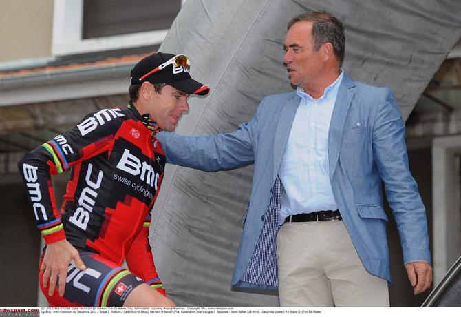 Бернар Ино также приветствует гонщиков на Дофине. Photo: © Tim de Waele/TDW Sport
