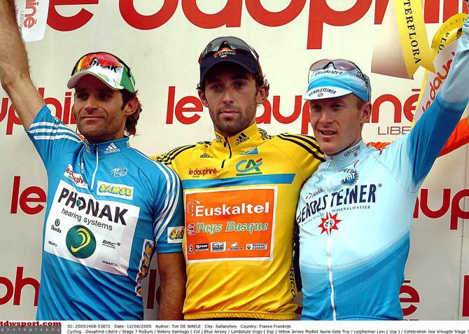 Сантьяго Ботеро, Иниго Ландалузе, Леви Лефаймер на подиуме в 2005. Photo: © Tim de Waele/TDW Sport