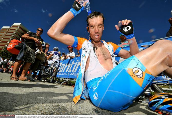 Жаркая гонка в 2009 году: Дэвид Миллар охлаждается. Photo: © Tim de Waele/TDW Sport