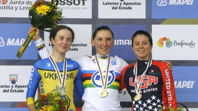 Lisa Brennauer опередила Hannah Solovey и Evelyn Stevens на дистанции 29.5км ЧМ-2014 в Испании. Фото: Getty Images