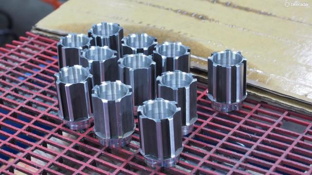 Производство Campagnolo—совместимой кассетной втулки