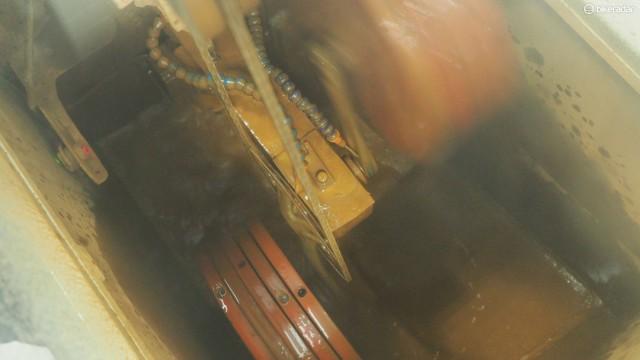 Среди внутренних тестов FSA есть также моторизированная камера, которая наполнена специальным абразивным составом, который поможет оценить износ шатуна