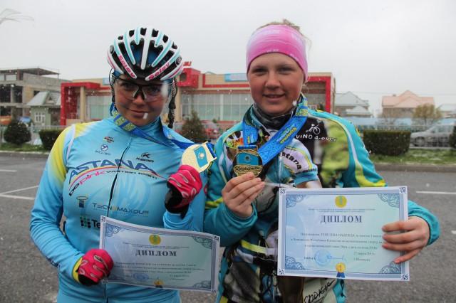 Победительницы парно-командной гонки на 20 км Юрайтис Екатерина и Генелева Надежда