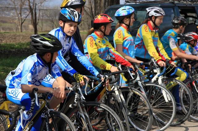 Подрастающее поколение велогонщиков